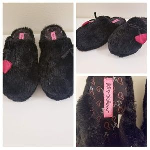 Betsty Jonson - Kiss My Feet - Faux Fur Slippers